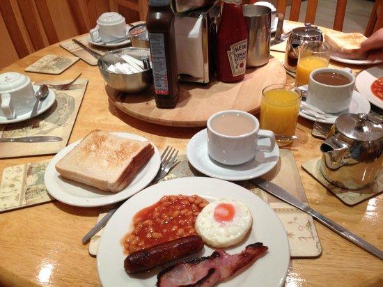 Central Hotel : Breakfast
