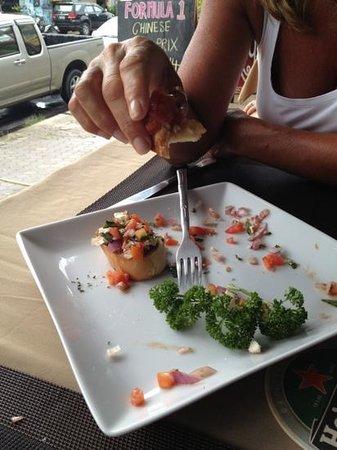 Monkeys Bar & Restaurant: Bruchetta.... almost finished :-)