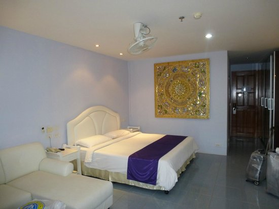 Chalong Beach Hotel and Spa: наш номер
