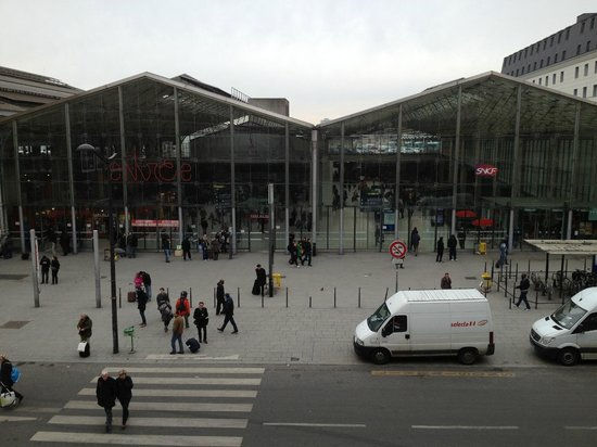 New Hotel Gare du Nord: View from room