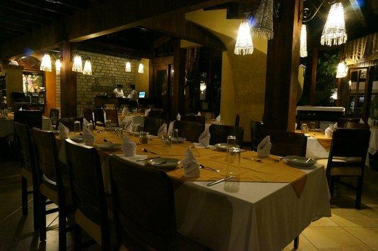 Glifos Restaurant