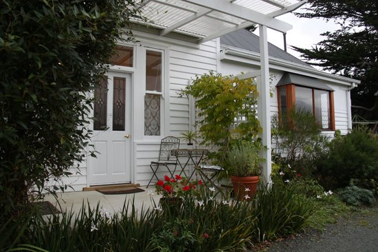 Huonville Guesthouse: Bellevue suite entrance