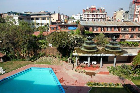 Malla Hotel: -