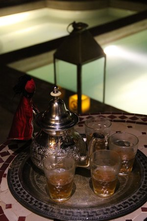 Riad Alili: Le thé