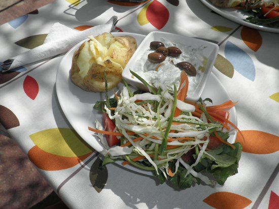 The Olive Tree Cafe: Jacket Potatoes!  mmmmm!