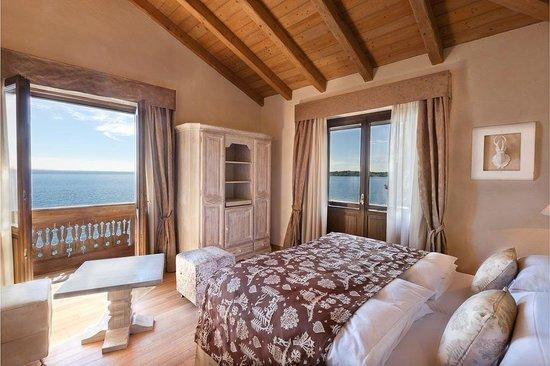 Grand Hotel Fasano : Standard room Villa Principe with lake view