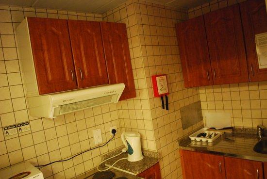 La Villa Najd: kitchen