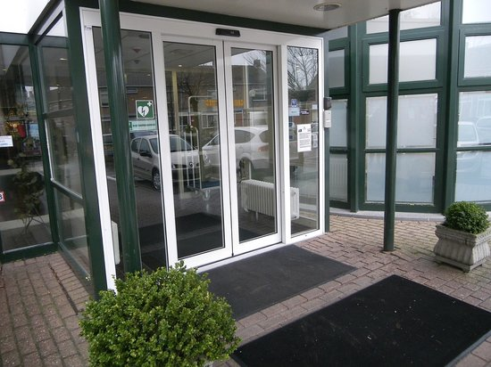 Hampshire Hotel - City Terneuzen : entrée de l'hôtel
