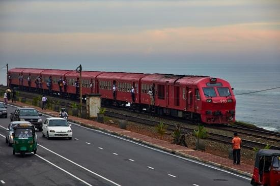 The Ocean Front : trains during rush hour in front of hotel