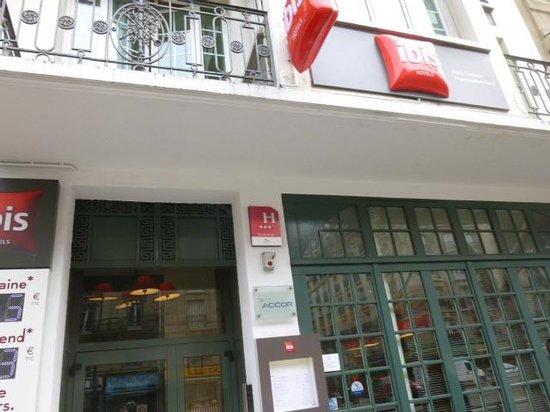 Ibis Paris Ornano Montmartre North 18th: ホテル外観