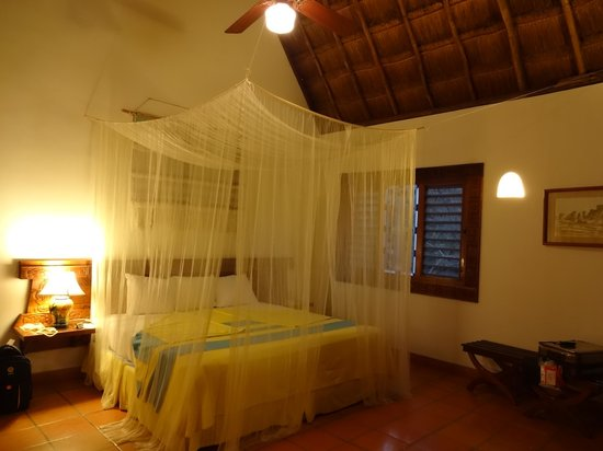 The Lodge at Chichen Itza: Room with adequate light