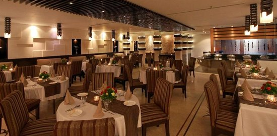 Motimahal Delux Restaurant at Hotel Golden tulip