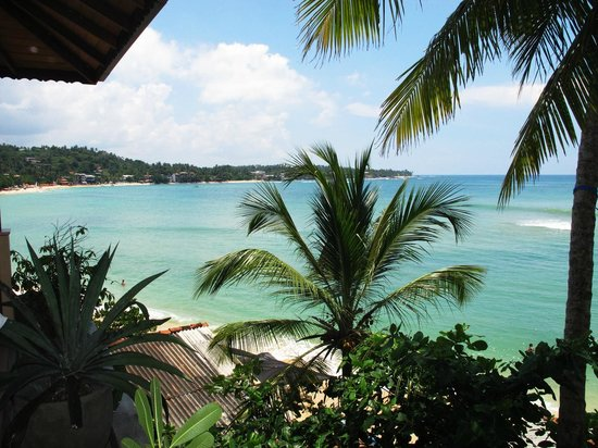 Kingfisher Hotel: Unawatuna view from our room