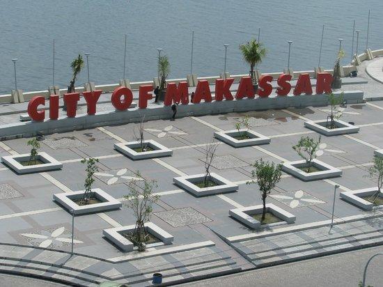 Aryaduta Makassar: view from 8th floor non smoking room