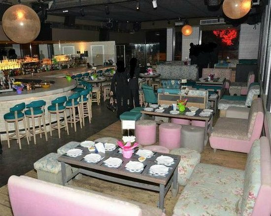 niedrigerer Preis mit neuartiger Stil heißer verkauf rabatt Caprice, Beirut - Restaurant Reviews, Photos & Reservations ...
