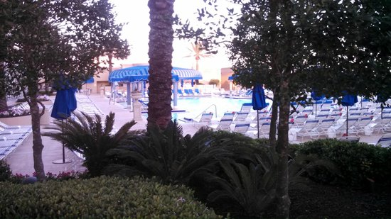 Beau Rivage Resort & Casino Biloxi: Pool Area
