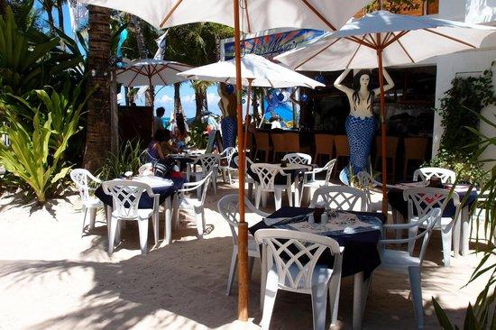 Boracay Beach Resort: The Boracay Beach Resort breakfast area
