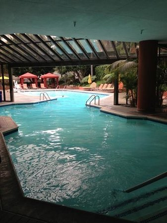 Indoor outdoor pool picture of irvine marriott irvine - Menzies hotel irvine swimming pool ...