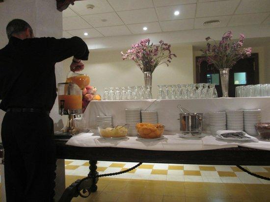 Hotel Murillo: 朝食(レストラン)