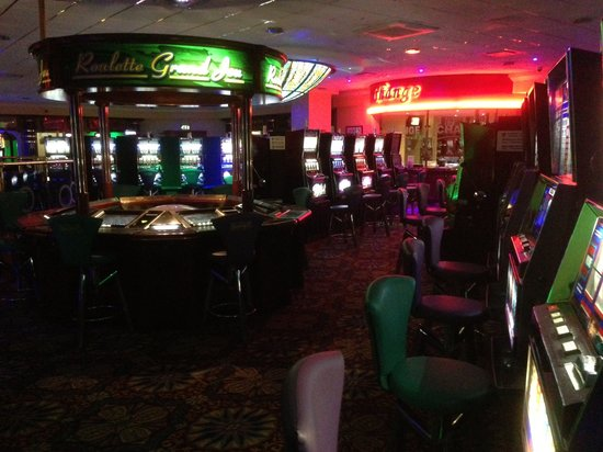 Perks Entertainment Centre : Showboat Casino