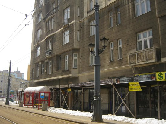 Planet Hostel: The hostel is on the first floor of the building