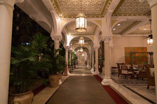 The Taj Mahal Palace, Mumbai: courtyard