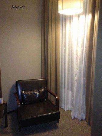 Grand Howard Hotel : nice chair