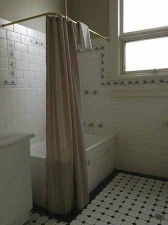 Mansions on Pulteney: Bathroom