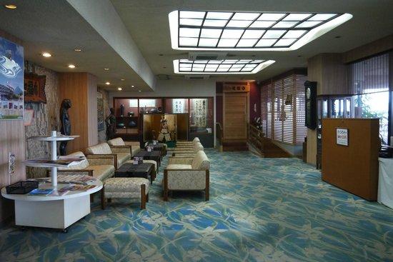 Ibusuki Coral Beach Hotel : ホテルのロビー
