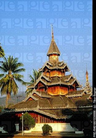 Wat Hua Wiang Temple