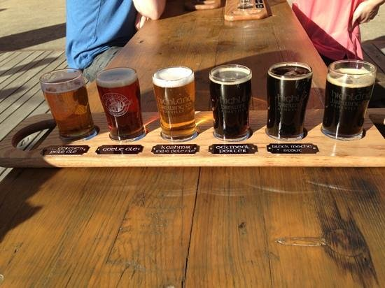 Highland Brewing Company: Flight of 6 for $6...great variety and great beers!