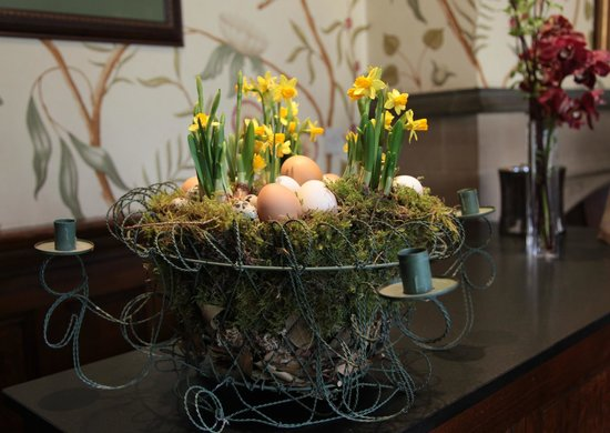 Fischer's Baslow Hall: Easter Basket.