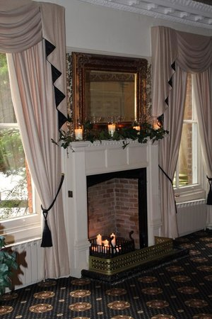 Bartle Hall Country Hotel: The Windsor Suite