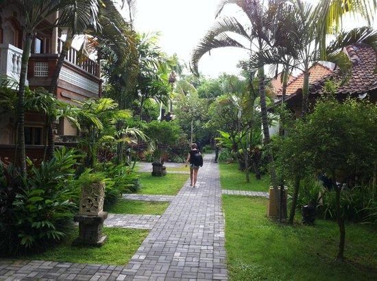 Baleka Resort Hotel & Spa: Hotel Grounds