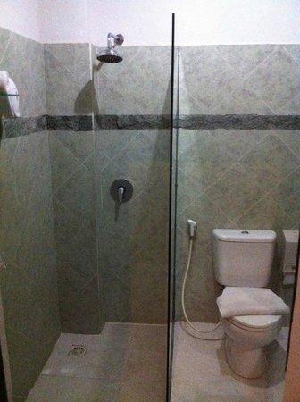 Baleka Resort Hotel & Spa: Bathroom 137