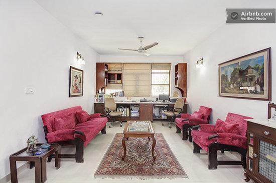 Darshan Home Stay: sitting  room
