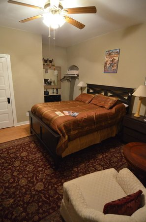 Tombstone Boarding House Bed and Breakfast : room
