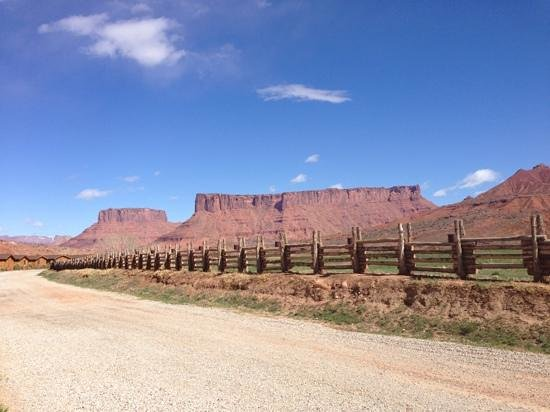 Red Cliffs Lodge: view from the front of our cabin