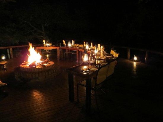 Monwana Game Lodge: diner time