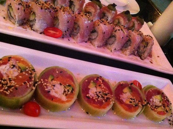 Gaysha New World Sushi Bar: Lower row: Tuna Salmon CC Roll