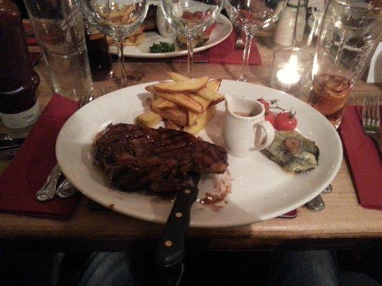 The New Inn: Steak with blue cheese mushroom