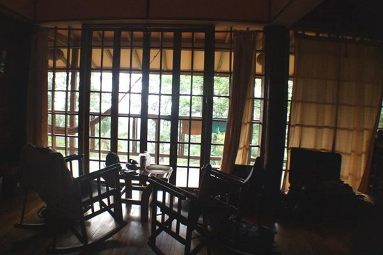 Samasati Retreat & Rainforest Sanctuary: Inside our cabana (the porch faced SE towards the Caribbean Sea)