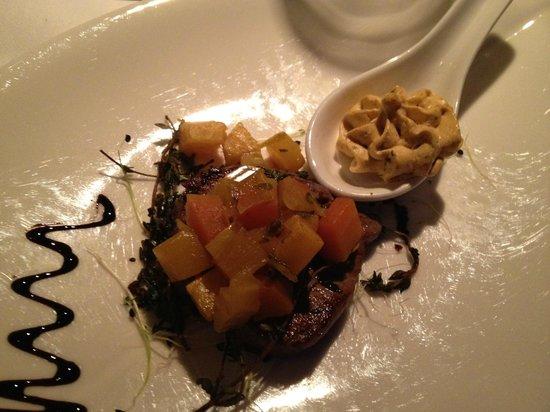 Seminar- und Wellnesshotel Stoos : Premier plat, viande succulente