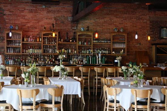 Little Hawaiian Seafood Grill & TIKI Lounge: Full service tiki bar