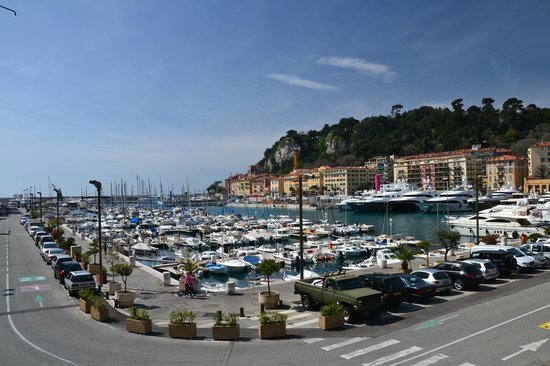Clair Hotel: Nice port
