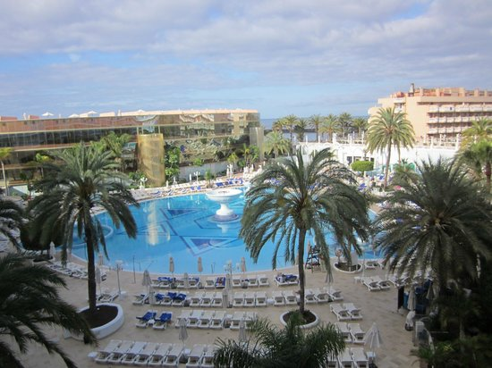 Mediterranean Palace Hotel (Mare Nostrum Resort): pool/sea view from 3rd floor