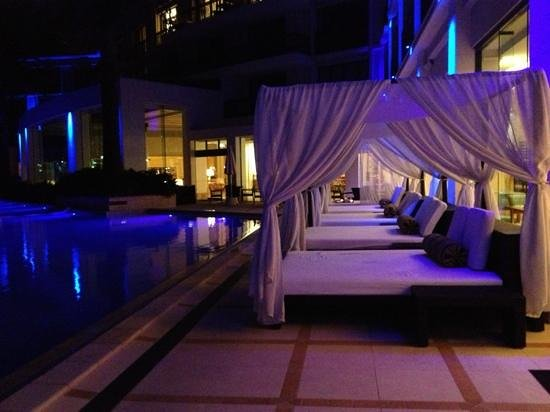 Palazzo Versace : pool at night. beautiful