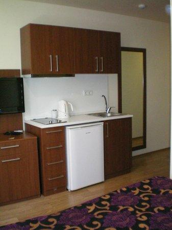 Comfort Suite Taksim: kitchen