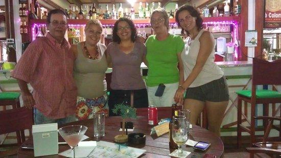 Cafe Bar Jet Set : En el bar Jet Set con la dueña y amigos!
