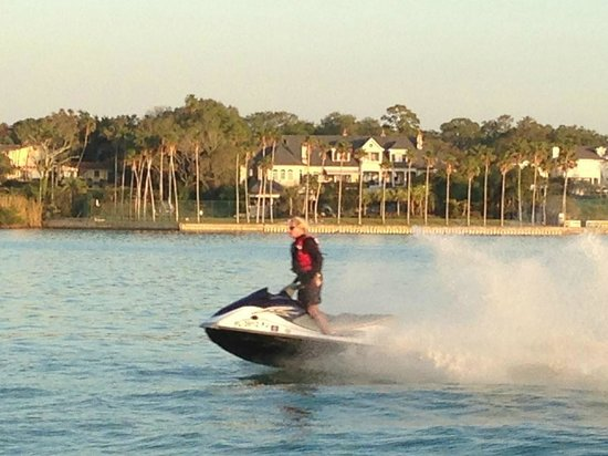 Fin's Jet Ski Tours and Pontoon Boat Cruises